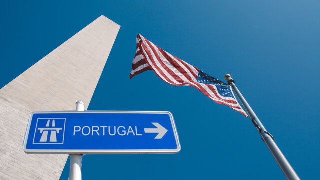 usa-flag-portugal-sign