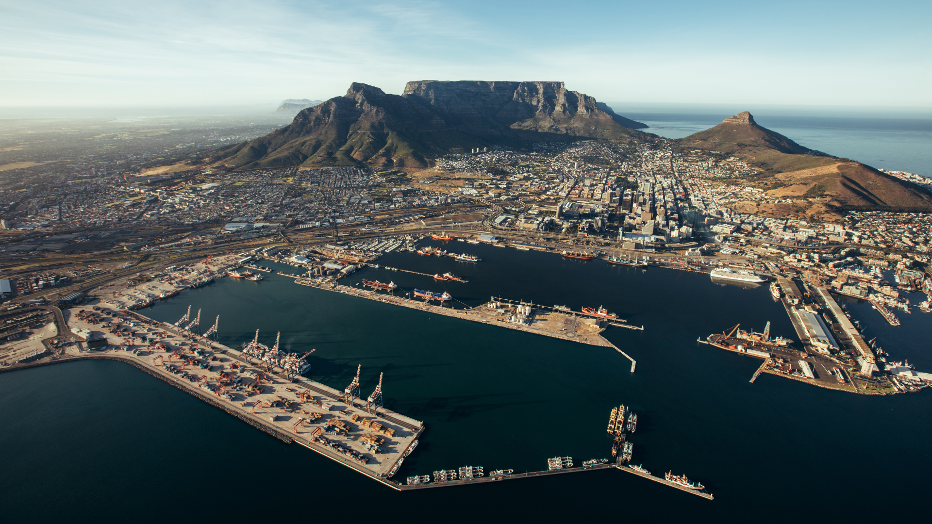 the-port-of-cape-town-eb5